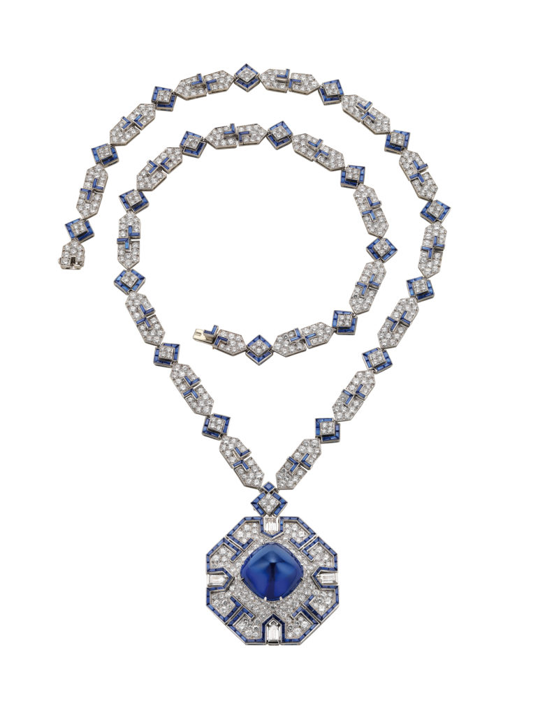 Sautoir, 1969 Platinum with sapphires and diamonds Chain: 74 x 1 cm. Pendant/brooch: 4.9 x 4.9 cm Formerly in the collection of Elizabeth Taylor Bulgari Heritage Collection, inv. 6675 N2170  © Antonio Barrella Studio Orizzonte