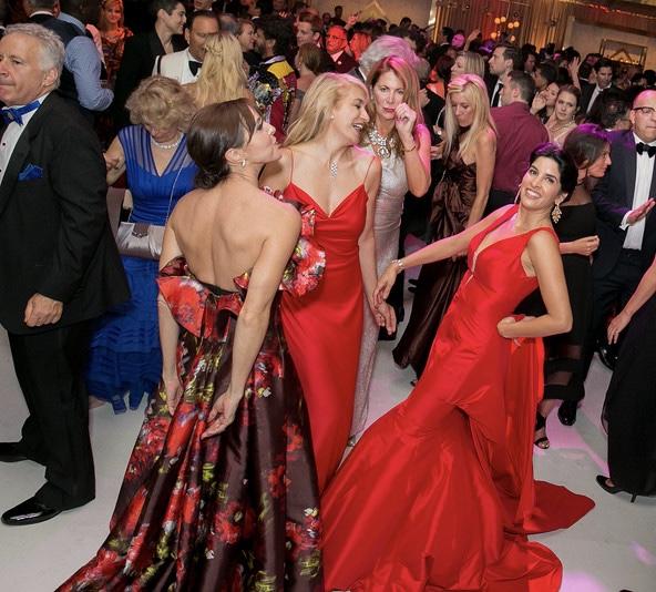 Late night dancing at SF Symphony Gala Opening Night. Photo credit Moanalani Jeffrey